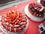 「カフェコムサ」のケーキ
