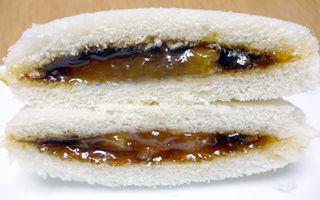 ランチパック<焼きりんご風味ジャム&カラメルソース>