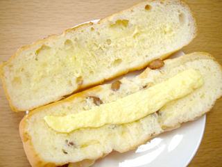 豆パンマーガリンサンド