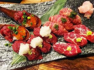 「肉バルで肉寿司ジョッキー」