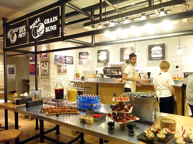 「J.S.BURGERS CAFE」