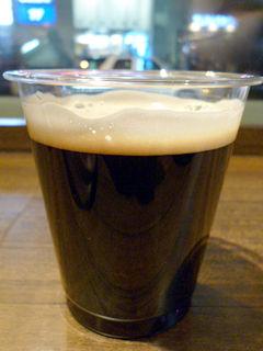 「デリカバール」黒ビール