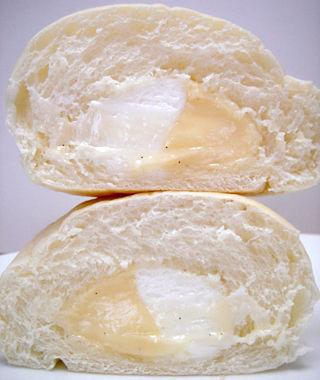白いコロネ<バニラクリーム&ホイップ>