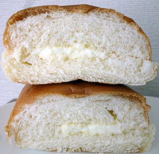 牛乳パン<十勝産牛乳入りミルククリーム>