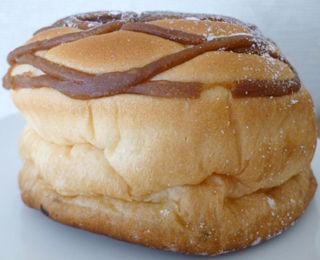 プリン風味クリームパン(ホイップ入り)