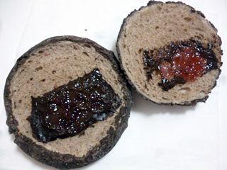 ベリーチョコメロンパン