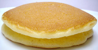 ホットケーキサンド<チーズクリーム&ハニーマーガリン風味クリーム>