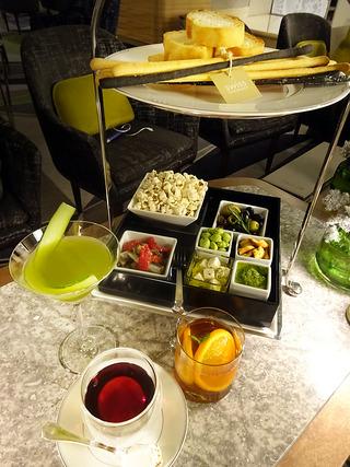 酒好き女子必見!ホテルラウンジで楽しむアフタヌーンティーカクテル!?「ザ・ラウンジ」@大阪なんば