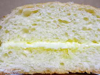 たっぷりくるみのメロンパン