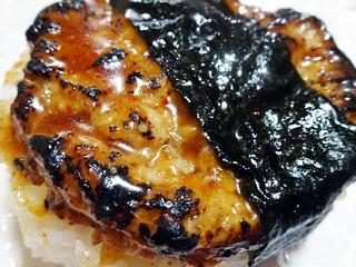 炙り焼鶏つくねおむすび