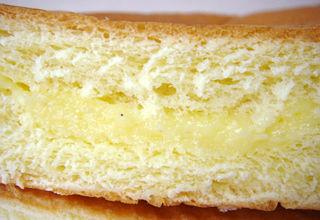 牛乳クリームパン