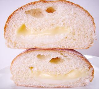 ジャージー牛乳クリームパン