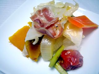 野菜とベーコンの蒸し鍋