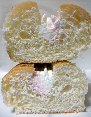 ダブルホイップクリームサンド(いちご&ミルク)