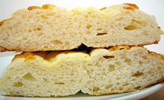 たっぷりチーズパン