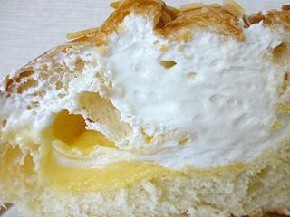 贅沢なクリームパン<ミルクホイップ>