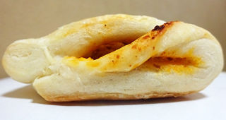 もっちパン(ミート&チーズ)