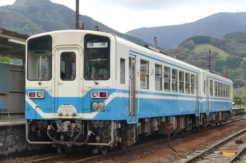 721D(斗賀野駅停車中)(R3.4.24)