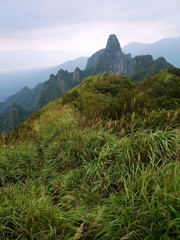 東峰から天狗岩