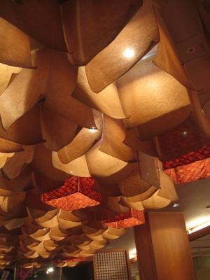 旅館の素敵な和紙ランプ
