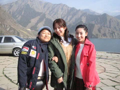 今、私は中国の新彊ウイグル自治区ウルムチというところで、 中国のドラマの... 井上朋子の上海ド