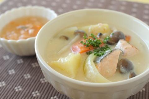 鮭の豆乳クリームシチュー (4)