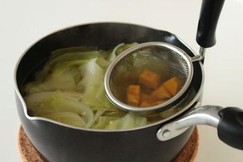 野菜だしで作る洋風ビタミンスープ (3)