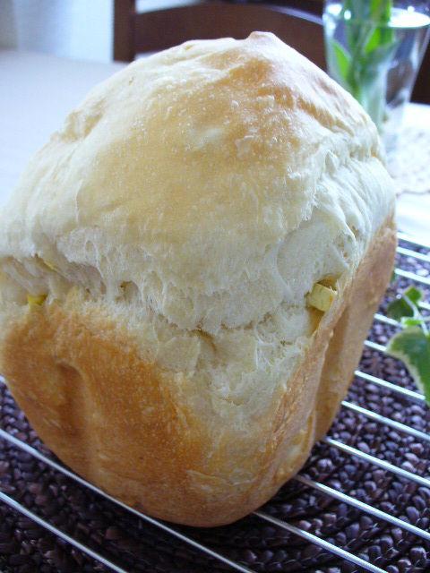 HBで生クリーム風味のさつまいもパン&コンソメスープスパ
