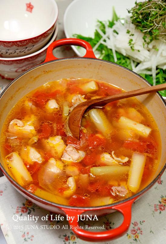 チキンとねぎのうまみたっぷりトマトスープ
