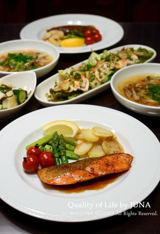 鮭のムニエルとか煮鶏のサラダとか、お弁当二日分など