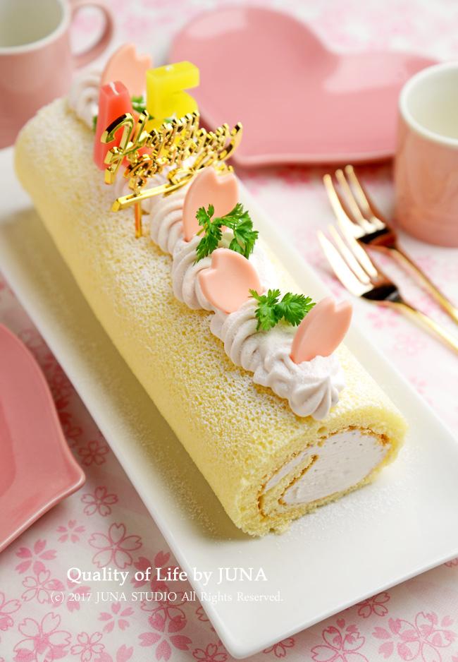 JUNA夫さんの誕生日に作った桜あんクリームロール☆合格祝いや卒業・入学のお祝いにも