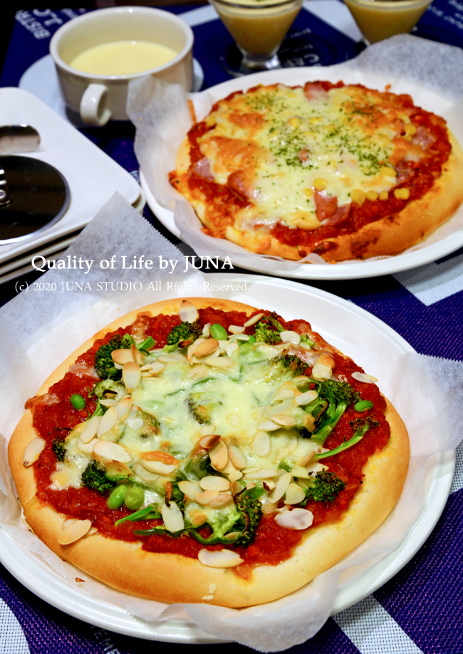 た~くさんのトマトソースを仕込んでとりあえず手作りピザを作りました。