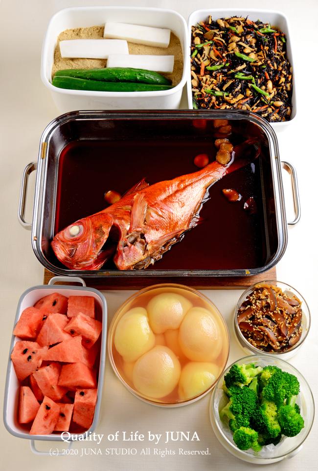 今週の(っていっても毎週あるのか知らんけどw)作りおき~でっかい金目鯛の煮つけがメイン~