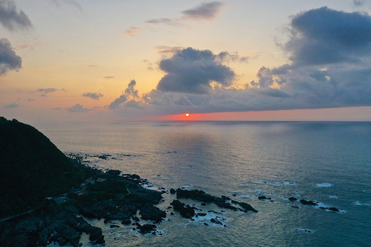 室戸岬とまこ朝