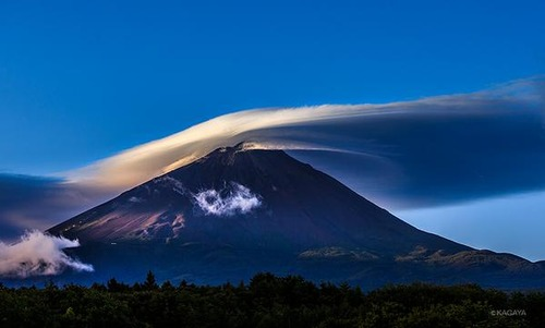 『富士山の笠雲』