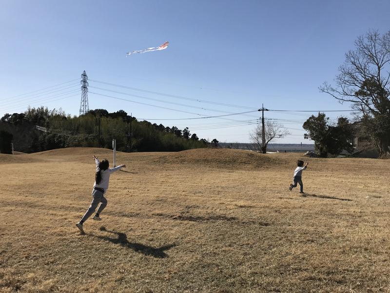 レジ袋で凧上げ