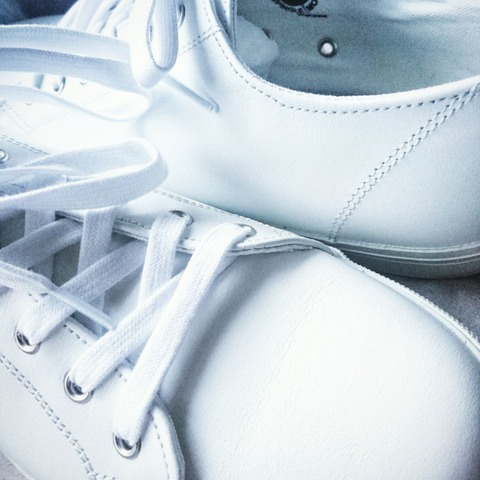 white leather sneakers  - spingle move -