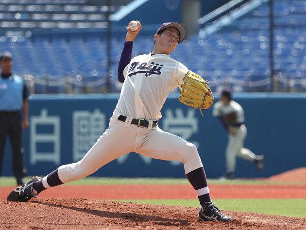 東京六大学のライバル、全国の強豪大学相手に快投した明治大の森下。身長180cm、体重75kgと細身ながら、150キロ超のストレートと巧みな変化球で打者を翻弄した
