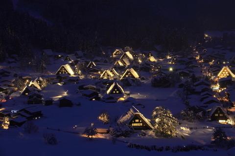 美山町かやぶきの里 ライトアップ 雪景色 写真