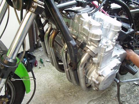 KZ1300A2_水冷直列6気筒エンジン