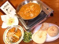 大阪福島(キタ圏内)にある豚の鍋とやきとん串がおすすめのグルメな居酒屋「とん彩や」ブログ用画像。宴会するならとん彩や。とん彩やとは、カレー鍋、トマト鍋を始め、豚のしゃぶしゃぶ、すき焼き、もつ鍋等、鍋料理全般が得意。他にも焼きとん串、串カツ、トンカツ、豚飯、餃子、ナポリタン、焼きそば、お好み焼き、カレー等、豚肉を使用した料理が得意。面白い飲食店。カレーフォンデュコース