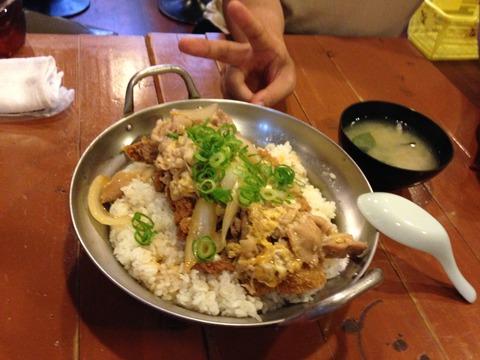 大阪福島のデカ盛りグルメ 鍋もりの他人カツ丼
