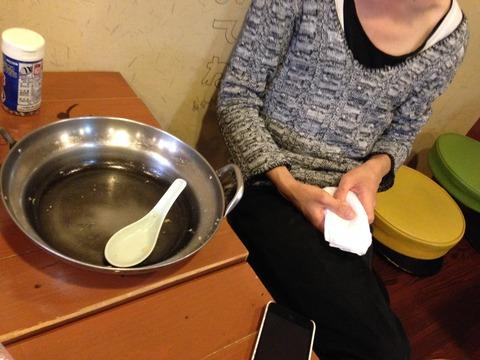 デカ盛りグルメ。大阪福島区で唯一のデカ盛りグルメをやっているとん彩やにおける、他人カツ丼をぺろりとたいらげた青年。IMG_0594
