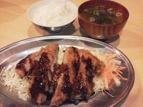 ジャイアン豚カツ(200g)定食
