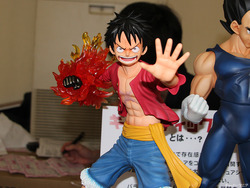 Gigantic-Series_ONE-PIECE_Monkey-D-Luffy_New-World-Ver-05