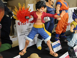 Gigantic-Series_ONE-PIECE_Monkey-D-Luffy_New-World-Ver-15