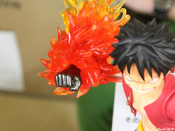 Gigantic-Series_ONE-PIECE_Monkey-D-Luffy_New-World-Ver-12