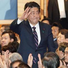 安倍政権これからの3年、消費税10%確実 年6万円の負担増に?!