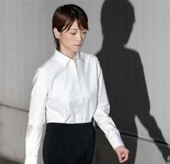 吉澤ひとみ被告、書面1枚で電撃引退の無責任