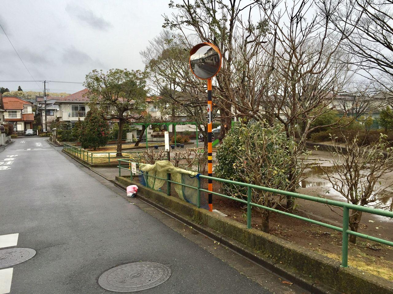 越智東公園にカーブミラーが設置されました!